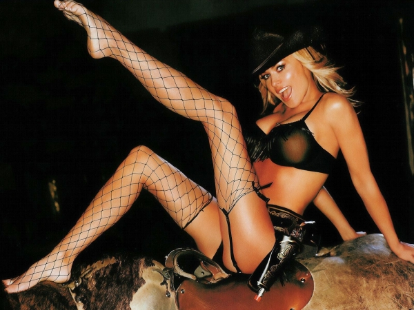 Секс-символ недели: Кармен Электра